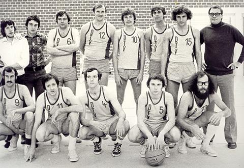 Historie Basketball